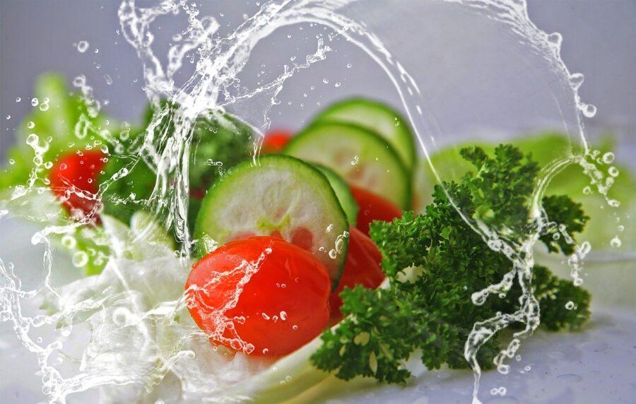 Σαλάτες, υγιεινά γεύματα