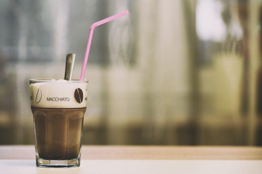 Κρύα ροφήματα με καφέ macchiato